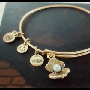 Alex and Ani Pearl in Oyster bracelet, gold tone